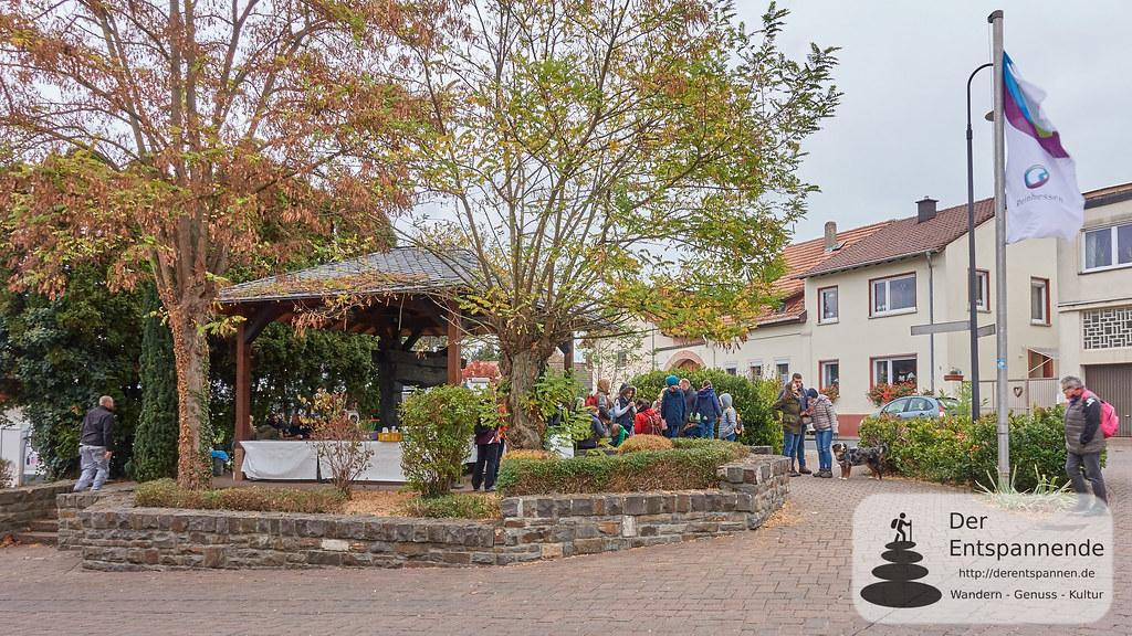 Grill- und Weinstand in Horrweiler