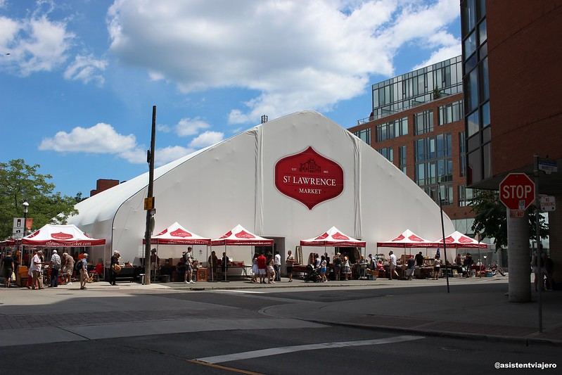 Toronto St Lawrence Market (2)