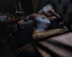 Elle dort