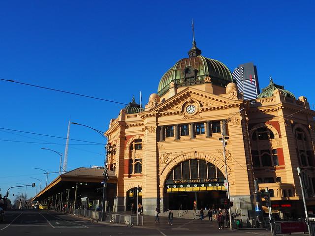 P9089680 フリンダースストリート駅(Flinders Street Railway Station) メルボルン オーストラリア ひめごと