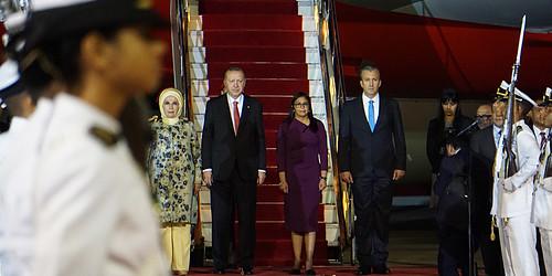 Arriba a Venezuela presidente de Turquía Recep Tayyip Erdogan
