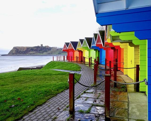 Scarborough beach huts. North, Sony DSC-HX90V, Sony 24-720mm F3.5-6.4