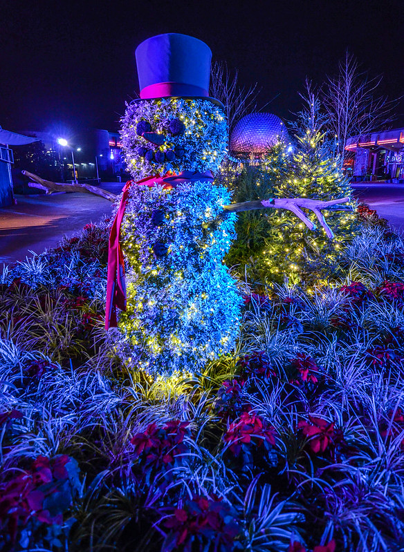 Snowman Epcot night