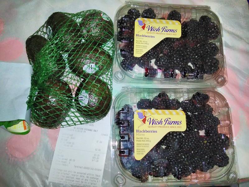 牛油果1袋(6个)1加元,黑莓1大盒(340克)1加元