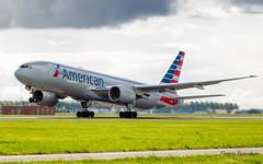 Boeing 777-200 American