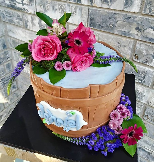 Cake by Pie's Cake Shop