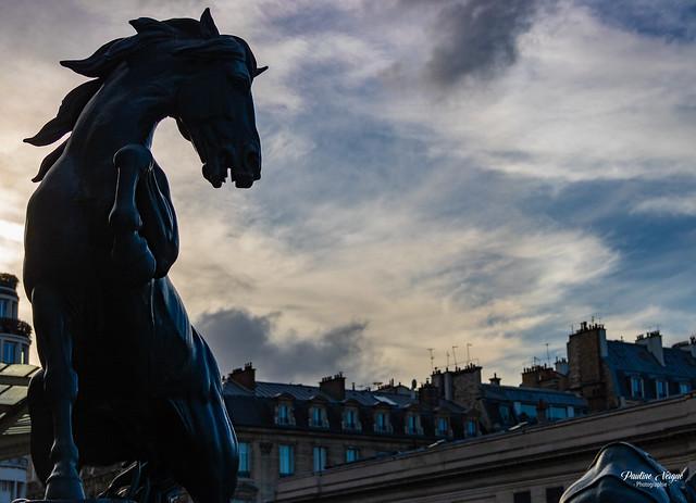 Un atomne à Paris