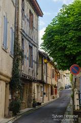 Petite rue à Aurignac - Photo of Cazeneuve-Montaut