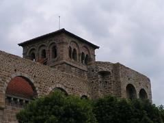 20080515 23396 0905 Jakobus Champdieu Kirche Turm Bögen
