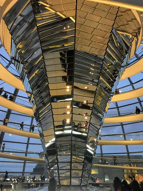 Berlin - Reichstagskuppel (1999), Apple iPhone 6s Plus, iPhone 6s Plus back camera 4.15mm f/2.2