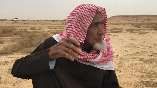 4835 Ali Ibrahim  A Saudi who has been visiting the patients daily for the past 30 years 00
