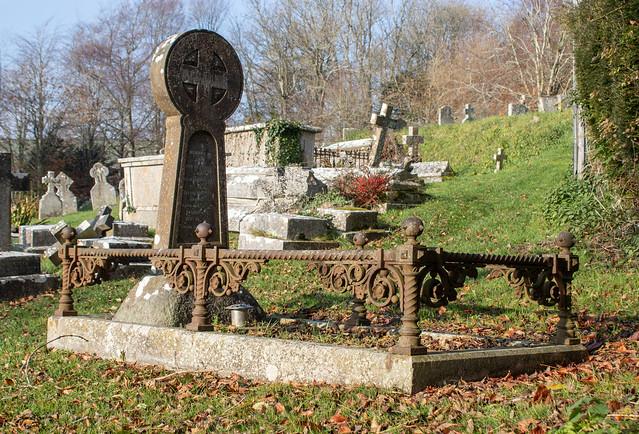 Memorial to Job Legg, Litton Cheney