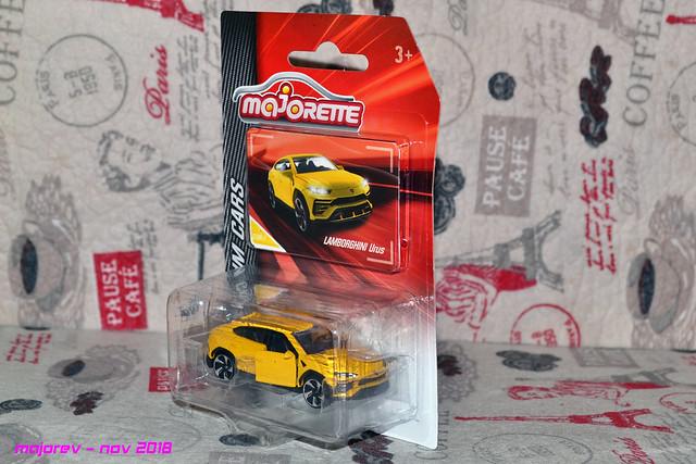 N°219H - Lamborghini Urus 45281864465_190a3cf8dd_z