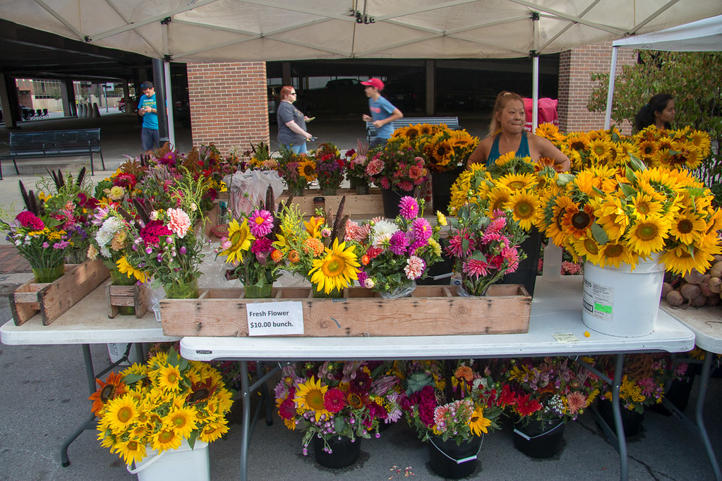 Flowers at Des Moines Farmers Market