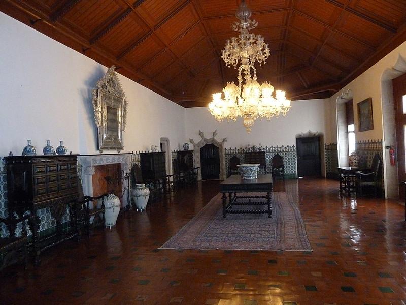 1280px-Manuelien_Hall_of_the_Palácio_Nacional_de_Sintra_P1000240