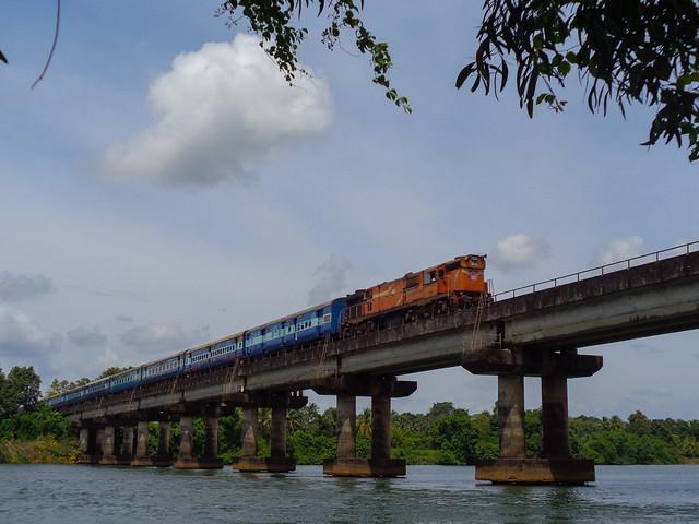 12133 Mumbai-Mangalore Superfast!, Sony DSC-W830