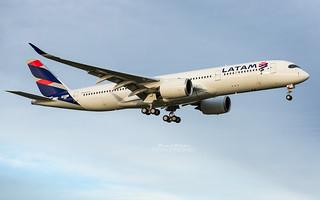 Airbus A350 Latam PR-XTI