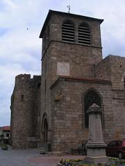 20080515 23400 0905 Jakobus Champdieu Kirche Turm Bögen Sonnenuhr