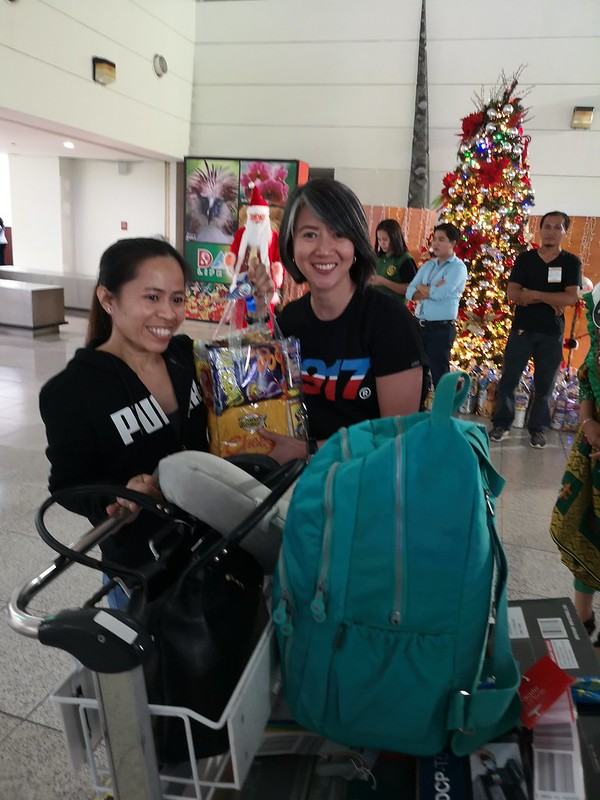 Globe Christmas Surprise Salubong of BalikBayans at the Francisco Bangoy International Airport IMG_20181218_170131_1