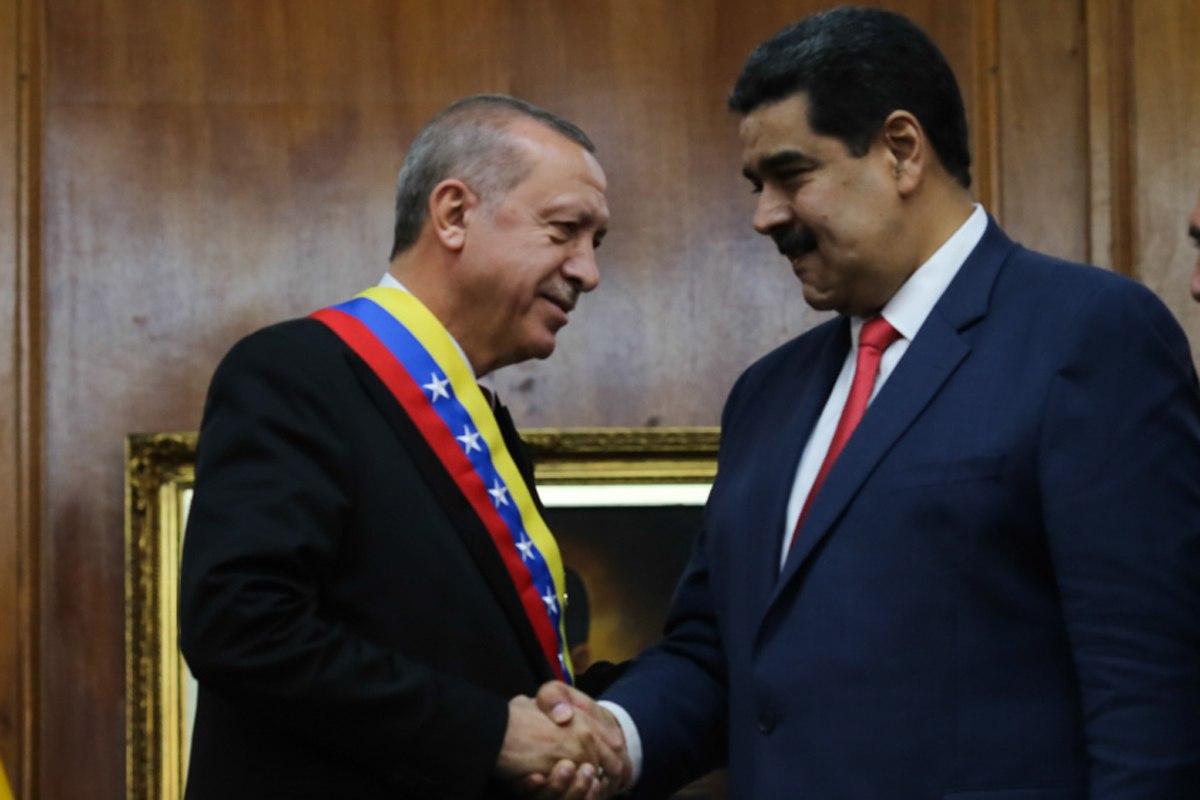 Venezuela y Turquía suscriben acuerdos