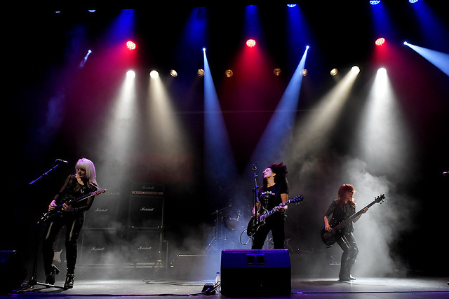 Sala BBK_Girlschool, Nikon D500, AF-S DX Zoom-Nikkor 17-55mm f/2.8G IF-ED