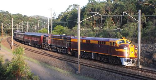 RTM SPECIAL 4306 & 4520 FASSIFERN 17th Dec 2013.