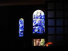 20080830 28578 Jakobus Montbrison Kloster Fenster Baum blau_01a - Photo of Essertines-en-Châtelneuf