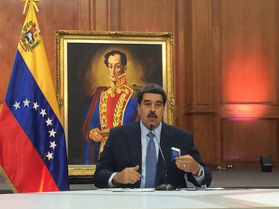 """""""Transformaram minha posse em uma guerra mundial"""", diz Maduro"""