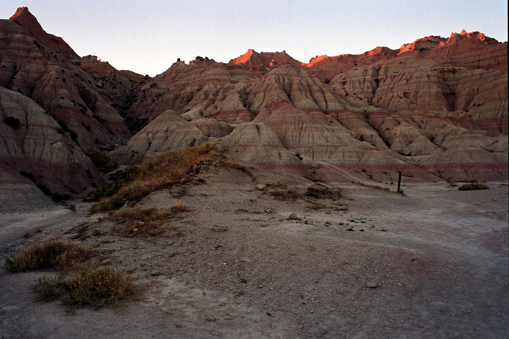 Badlands Hiking Trail 4 | Below the Saddle Pass Trail in Bad… | Flickr