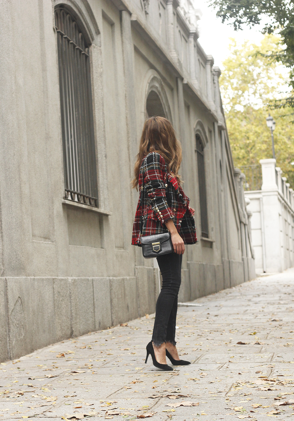 Tartan blazer black outfit heels givenchy bag street style fall outfit 20183808