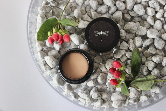korento kiinteä meikkipohja foundation
