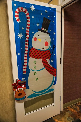 2018-12-16 - Christmas Decorations at Antioch's Cancer Center