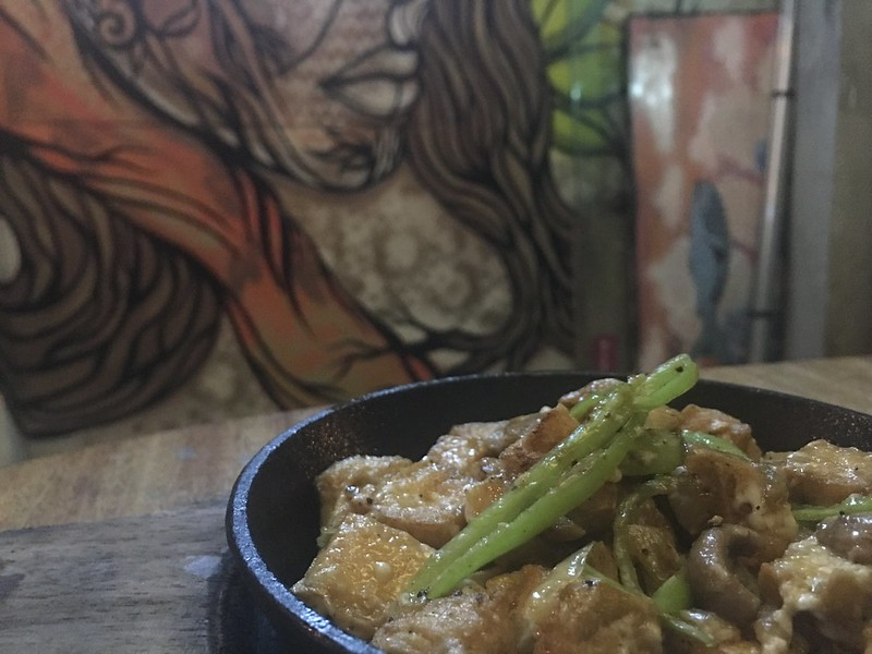 Lobo Filipino Tavern, Poblacion