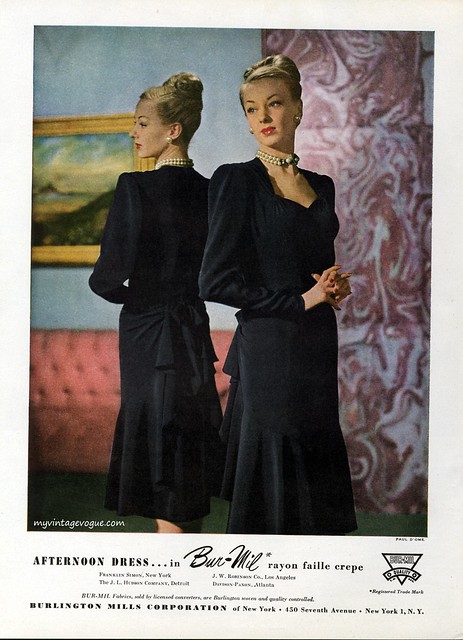 Afternoon dress in Bur-Mil rayon 1946, photo by Paul D'Ome