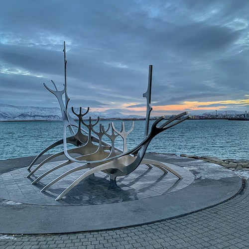 """sun voyager"" sólfarið reykjavik iceland statue sea seafront artwork clouds sunrise horizon ""skeleton boat"" nordic wonders"