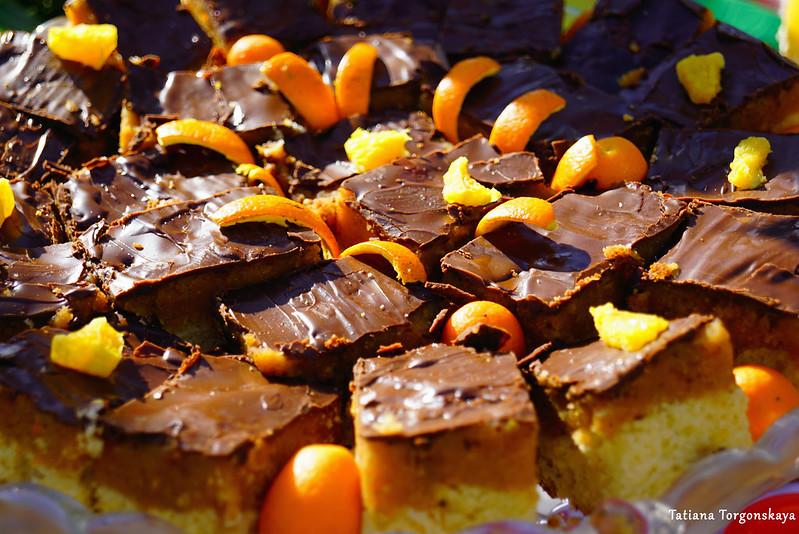 Пирожные с апельсином и шоколадом
