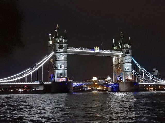 Tower Bridge at night, Nikon COOLPIX S9900