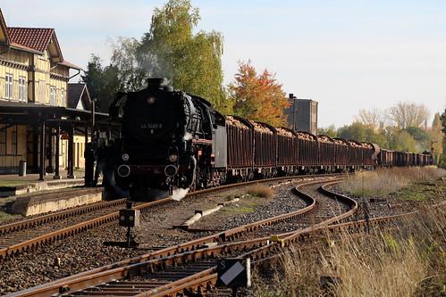 2018-10-20; 0142. ZL ETB 44 1486-8  en SL IGE Werrabahn 52 1360-8 met GZ 404. Immelborn. Plandampf im Werratal, Dampffinale.