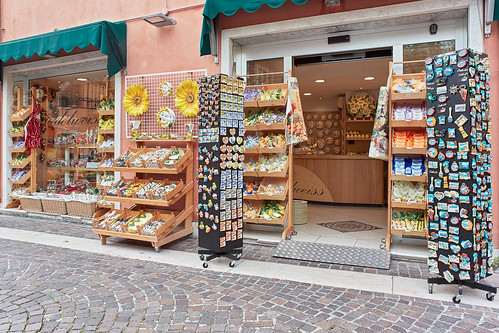 Bardolino Ceramics Shop