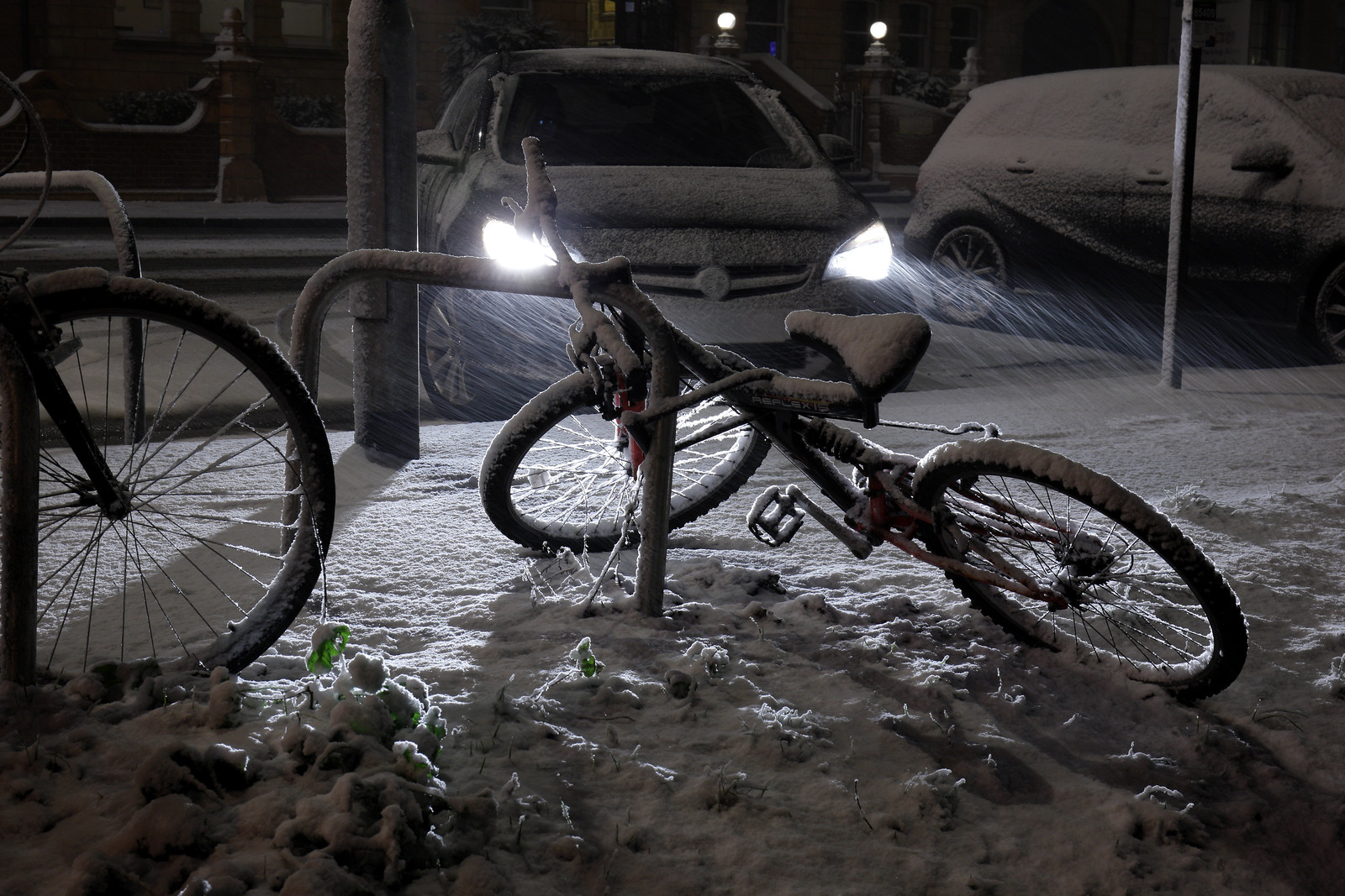 Bicycle-shaped objects in the snow