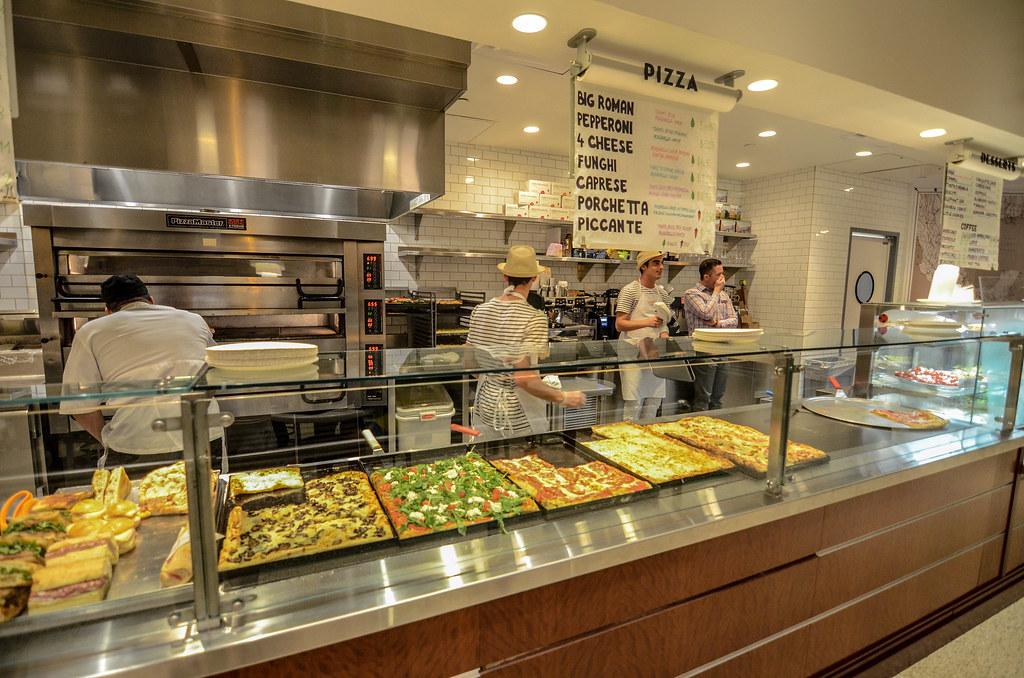 Pizza Pointe counter