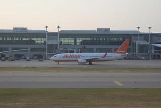 Jeju Air 737-800 HL-8090 ICN 6-15-17