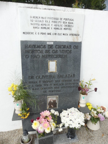 Memorial to Salazar next to his grave