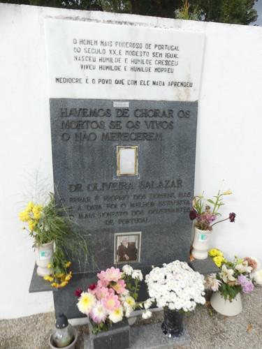 Memorial to Salazar next to his grave