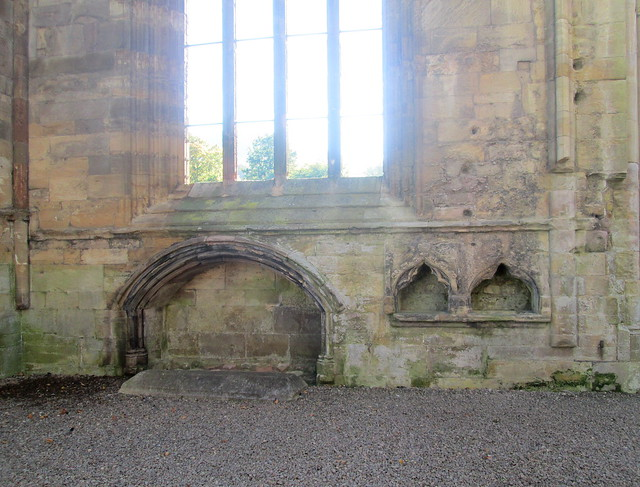 Abbey Piscinae, Melrose Abbey
