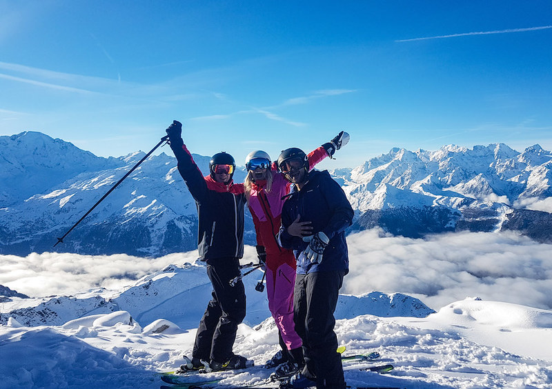 Picture 6 - Skiing with friends