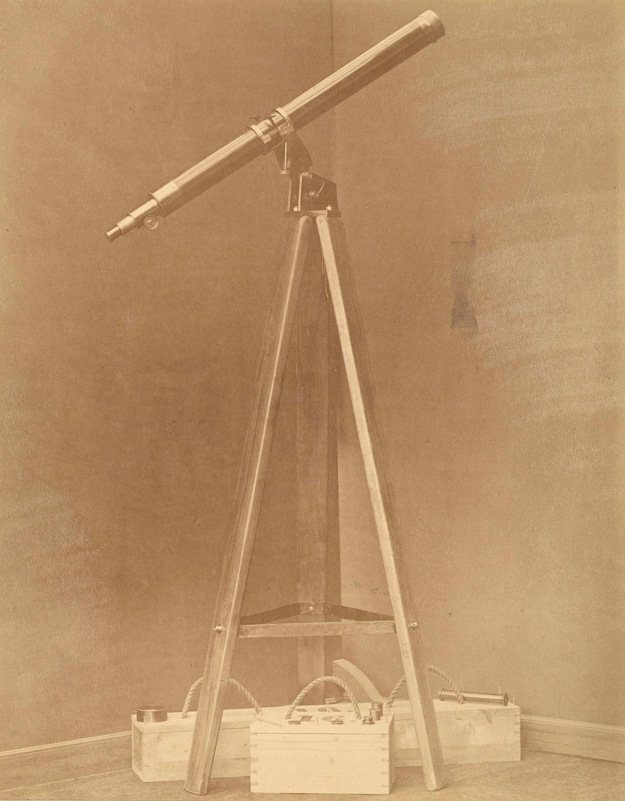 Переносная подставка фирмы М.Хербст для телескопа Мерца в Пулковской обсерватории