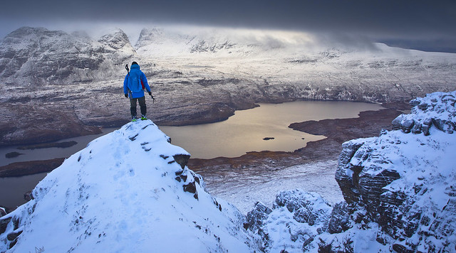 winter hiking in Assynt