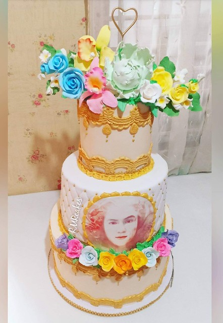 All Edible Photo and Flowers 3 Tier Cake by RMR Cakes & Party Needs