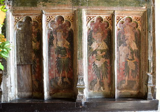 rood screen (south): angels holding instruments of the passion (15th Century)